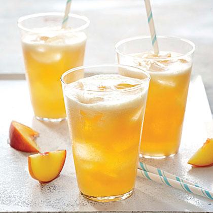 <p>Bourbon-Peach Limeade</p>