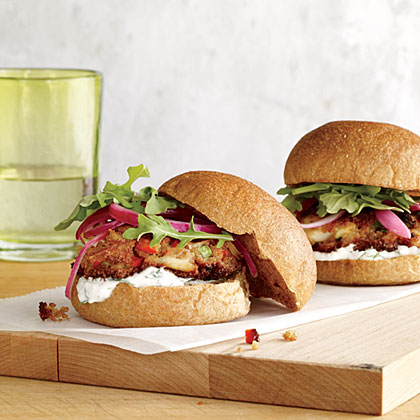 Crab Cake Sliders with Yogurt-Dill Sauce