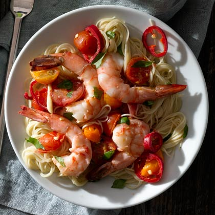 <p>Shrimp with Tomato and Chiles</p>