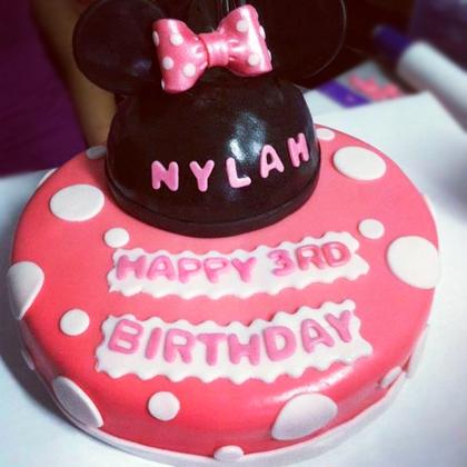 minnie-mouse-cake.jpg