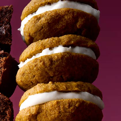 <p>Spiced Pumpkin Whoopie Pies</p>