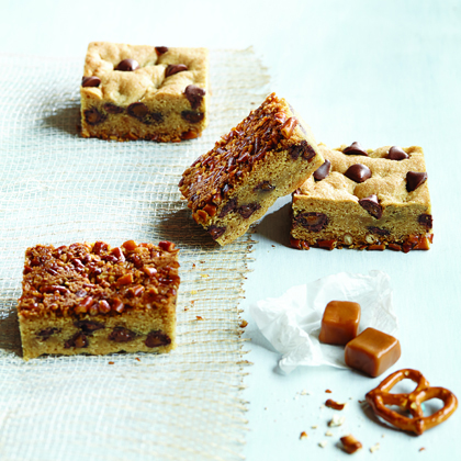"""Flipped"" Pretzel Cookie Bars with Caramel Filled DelightFulls™"