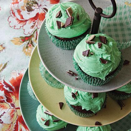 mint-chocolate-chip-cupcakes-x.jpg