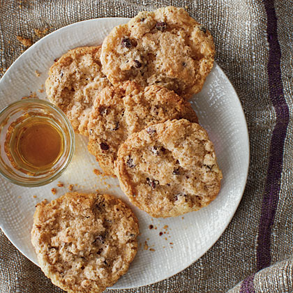 Oatmeal, Chocolate, and Walnut Cookies