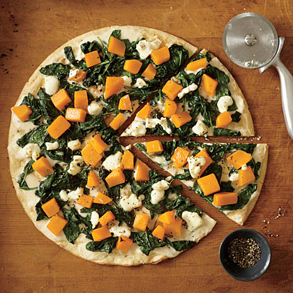 Butternut Squash Pizza with White Sauce, Spinach, and Goat Cheese ...