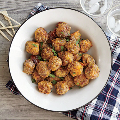These easy bites feature one of our favorite ingredients: Quinoa! Make them ahead and simply bake before parties and last minute get-togethers.Cheesy Sausage Balls