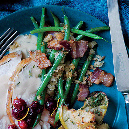 Sautéed Haricots Verts with Bacon Breadcrumbs