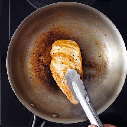 Chicken with Wine-Herb Sauce