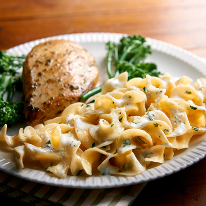 <p>No Yolks® Cheesy Buttered Noodles</p>