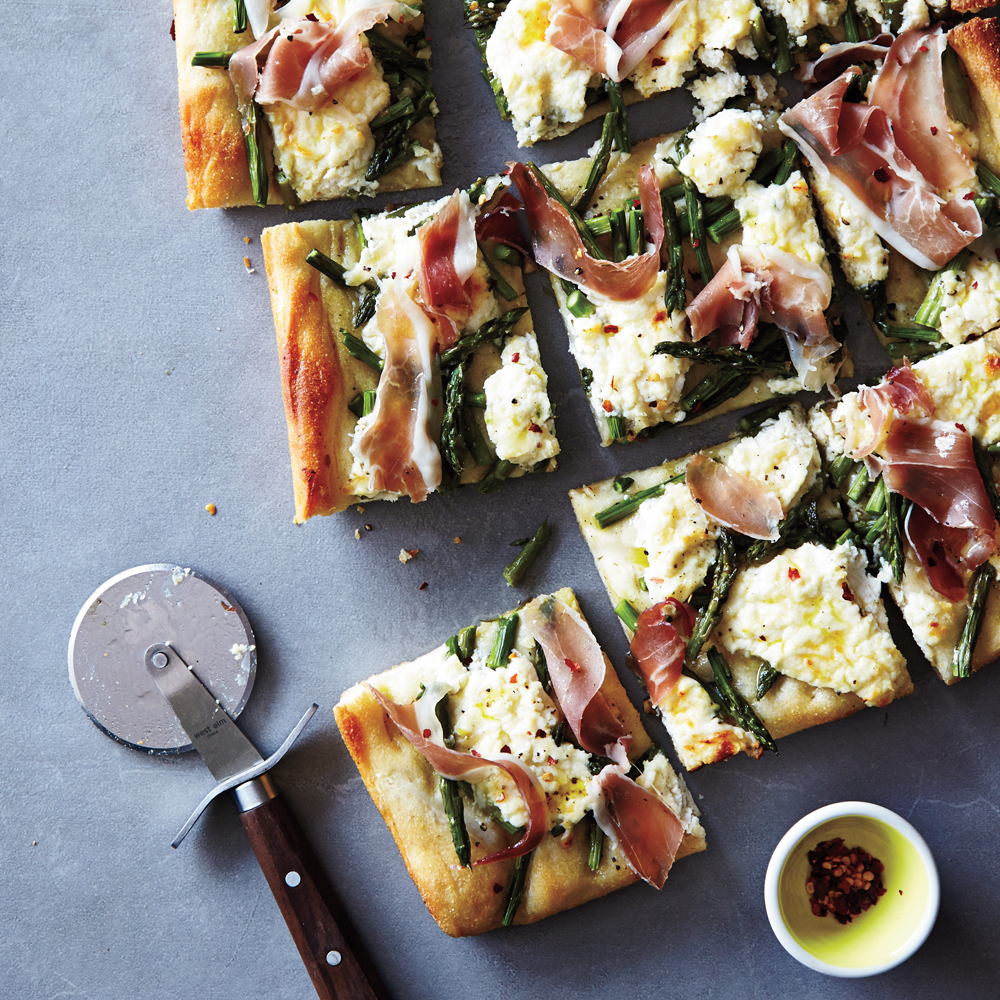 Asparagus and Prosciutto Pizza