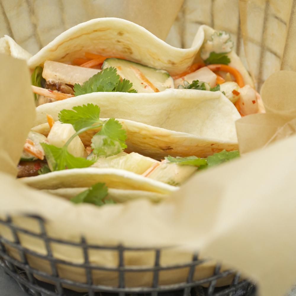 <p>Bánh Mì Tacos</p>