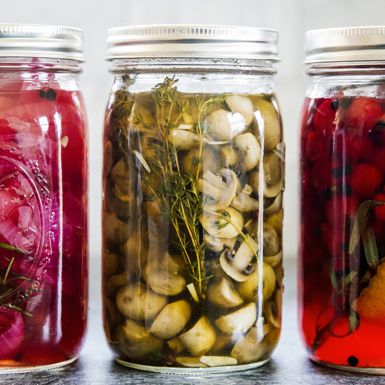 Pickled Mushrooms with Garlic and Thyme
