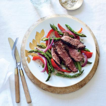 Sizzling Skirt Steak with Asparagus and Red Pepper from Cooking Light