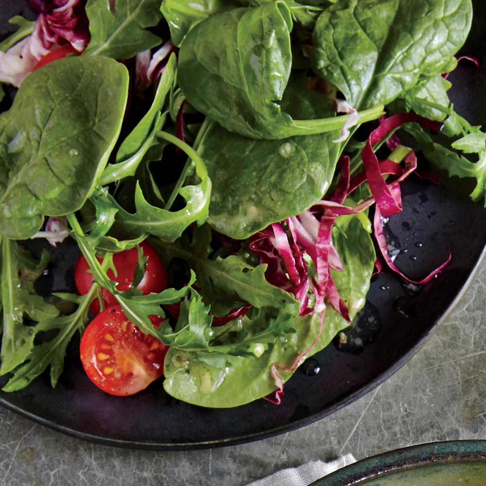 Spinach and Radicchio Salad with Lemon Vinaigrette