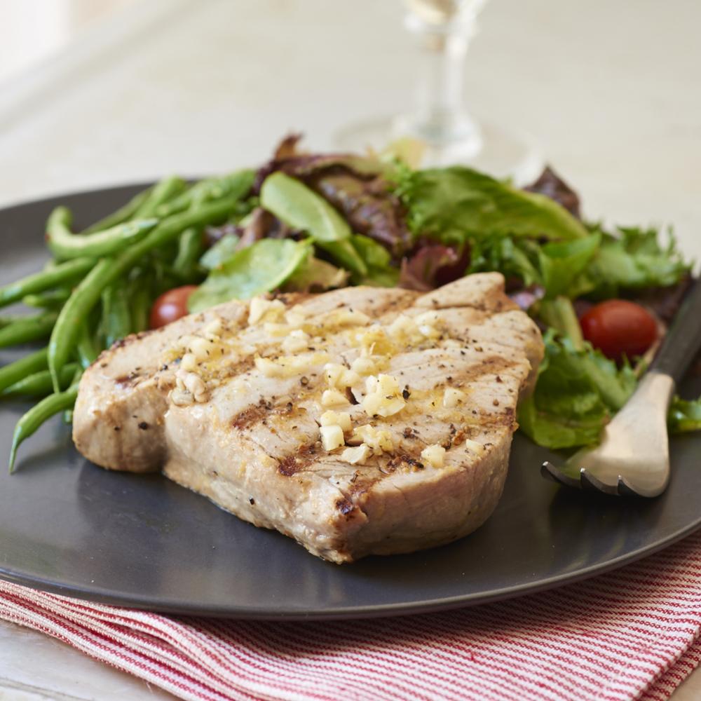 Grilled Yellowfin Tuna with Lemon and Garlic