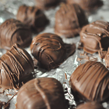 <p>No Bake Chocolate Covered Peanut Butter Balls</p>