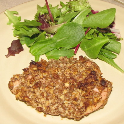 Paleo Pecan-Crusted Chicken | everydaypaleo.com