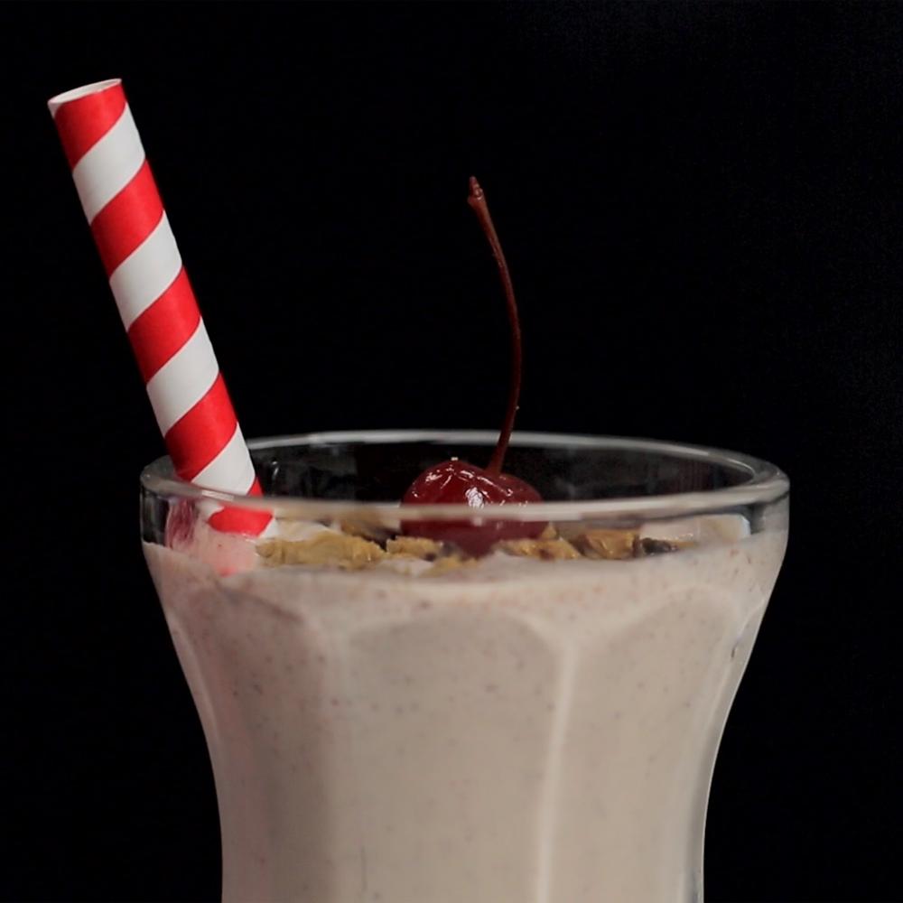 <p>Cookie Cake Milkshake</p>