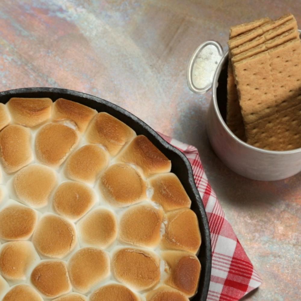<p>Nutella S'mores Dip</p>