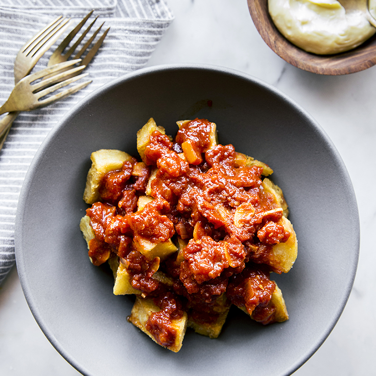 Crunchy Potatoes with Spicy Tomato Sauce