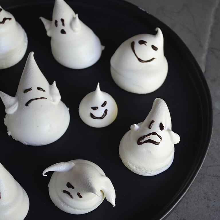 Emoji Meringue Ghosts