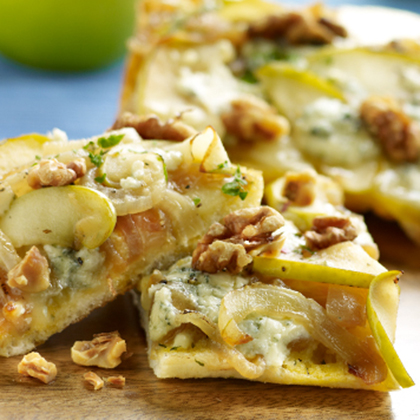Apple Onion Pizza