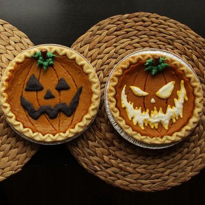 jack-o-lantern-pumpkin-pies.jpg