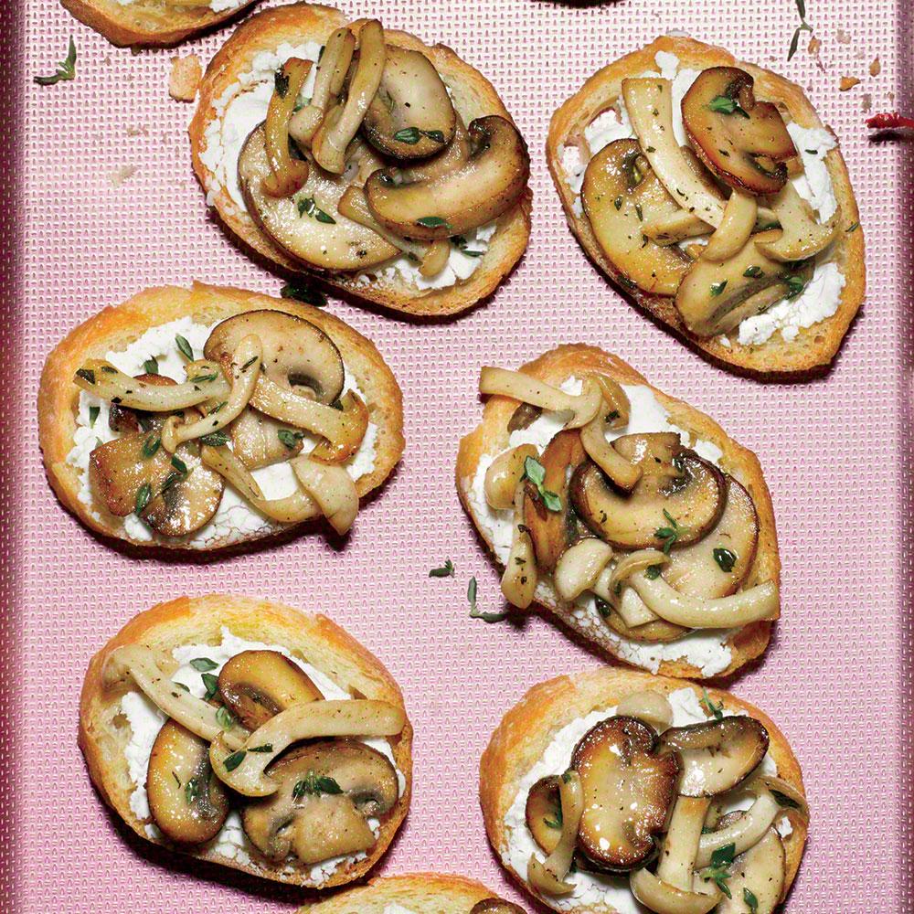 Mushroom-Goat Cheese Crostini