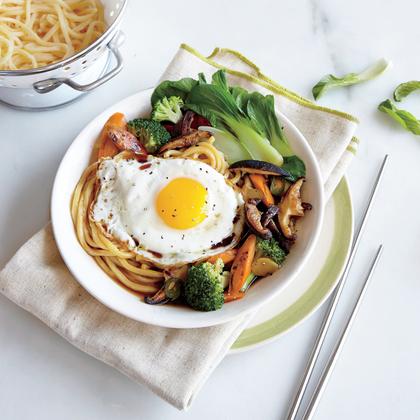 egg-noddle-stir-fry-broccoli-ck.jpg