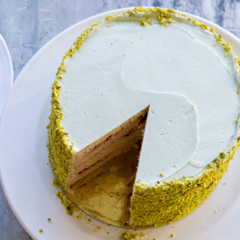 Recipes for pistachio cake from scratch