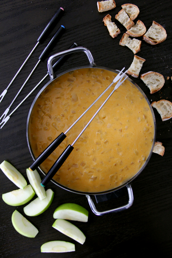 beer-cheese-fondue-2.jpg