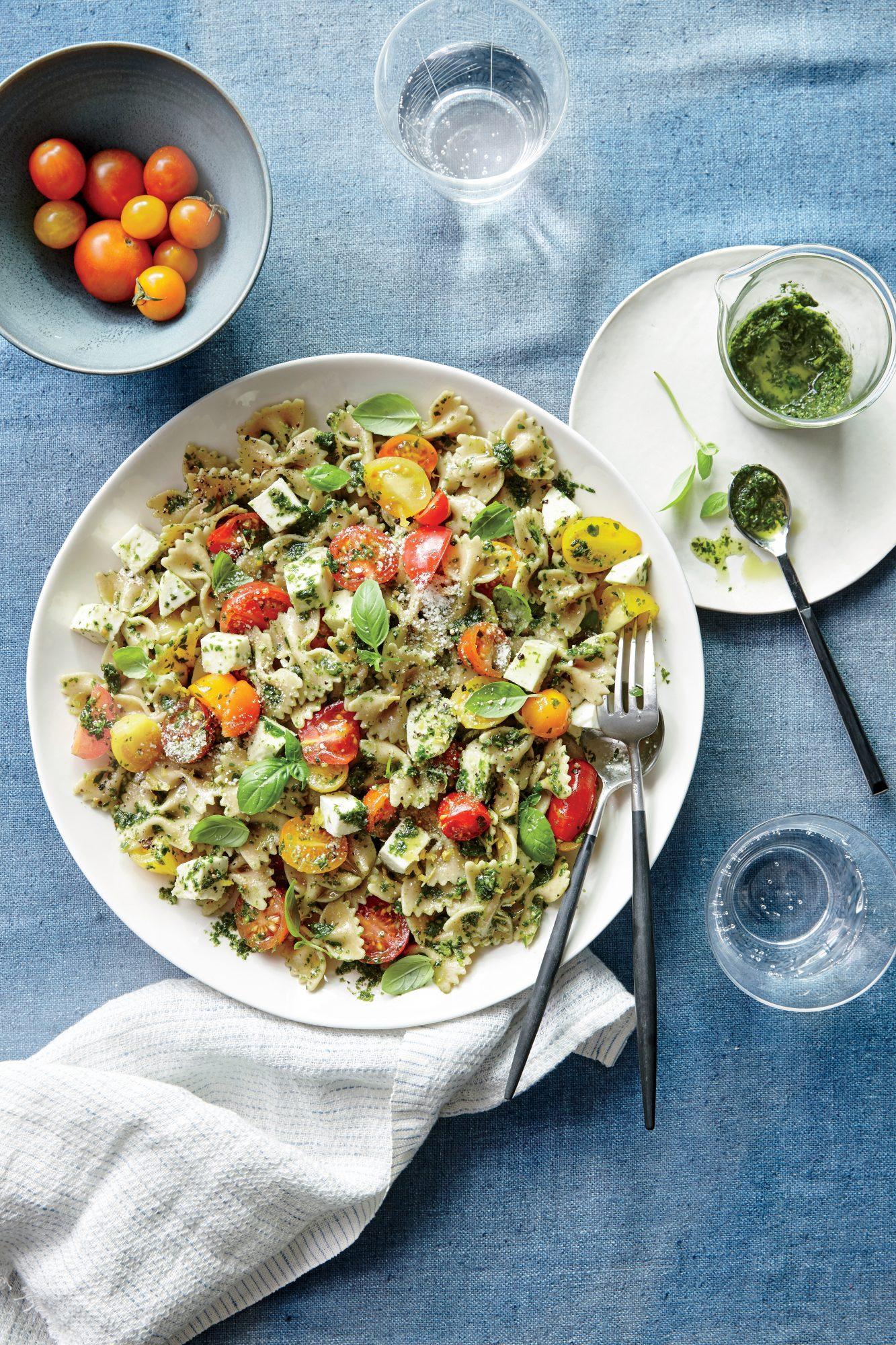 Pesto Pasta Salad with Tomatoes and Mozzarella