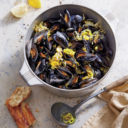 Mussels with White Wine and Leeks