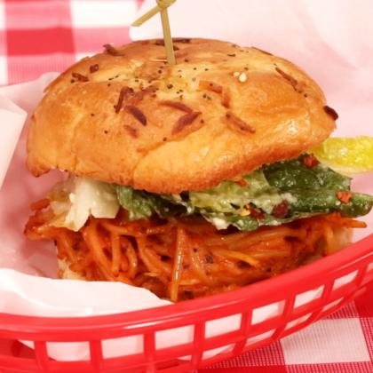 How to Make a Baked Spaghetti Sandwich