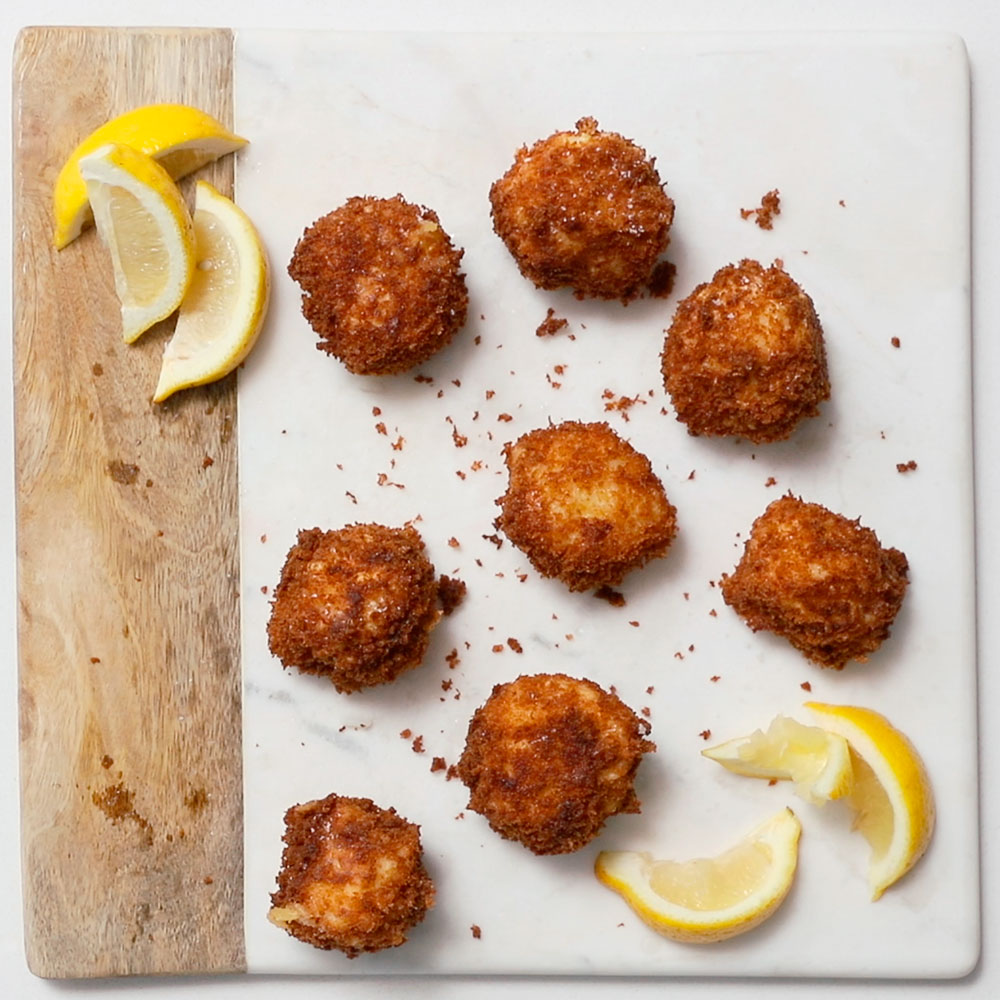 Arancini (Cheesy Italian Rice Balls)