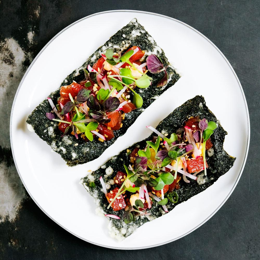 Tuna Poke Crackers