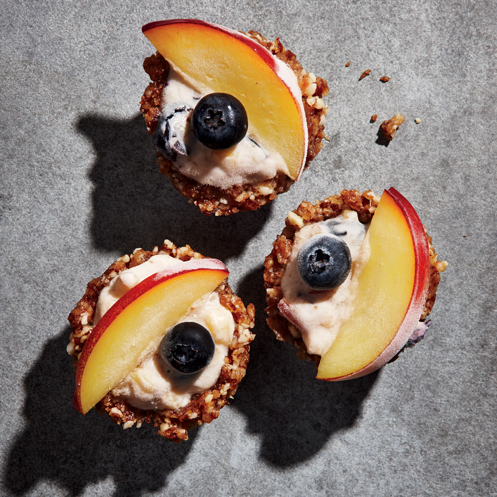 Nectarine-Blueberry Frozen Yogurt Pie Bites