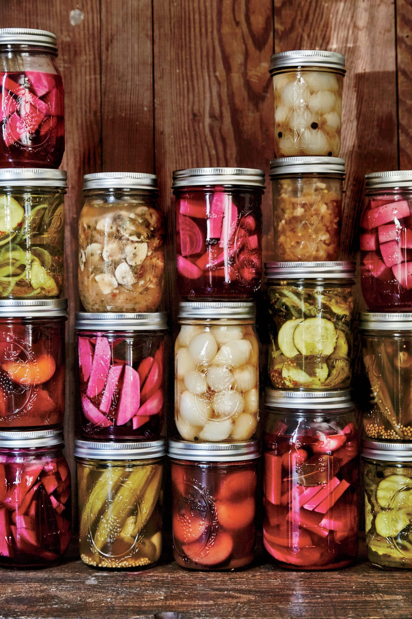 pickled pearl onions image