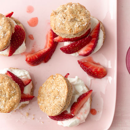 mini-strawberry-shortcakes-xl.jpg