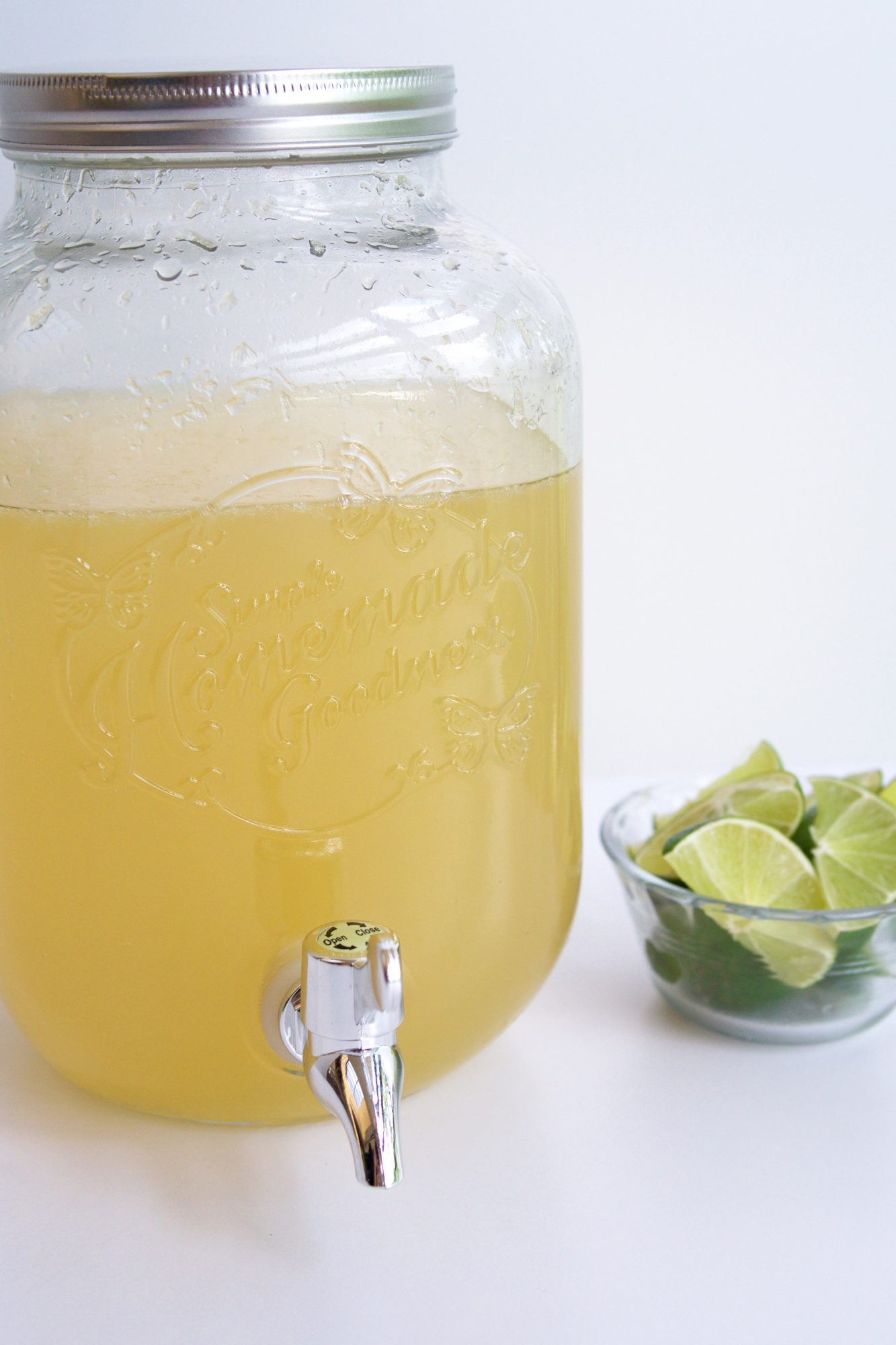 <p>Easy Margaritas for a Crowd</p>