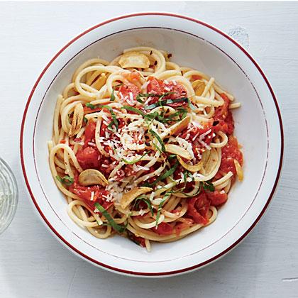 spaghetti-garlic-tomato-sauce-ck-x.jpg