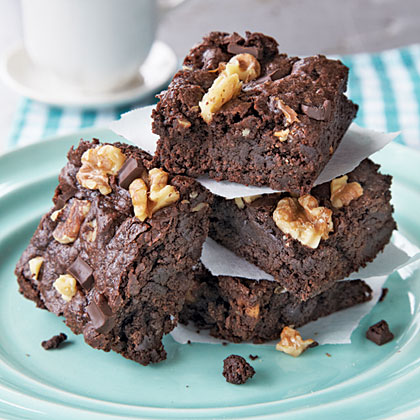 classic-fudge-walnut-brownies-x.jpg