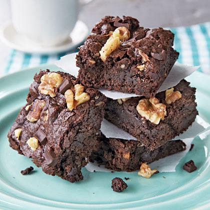classic-fudge-walnut-brownies-x.jpg