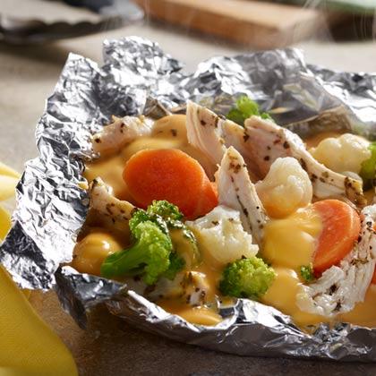 VELVEETA® Easy Chicken Campfire Packs [Ad]