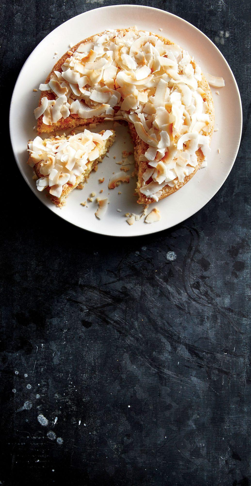 Macadamia-Almond Cake