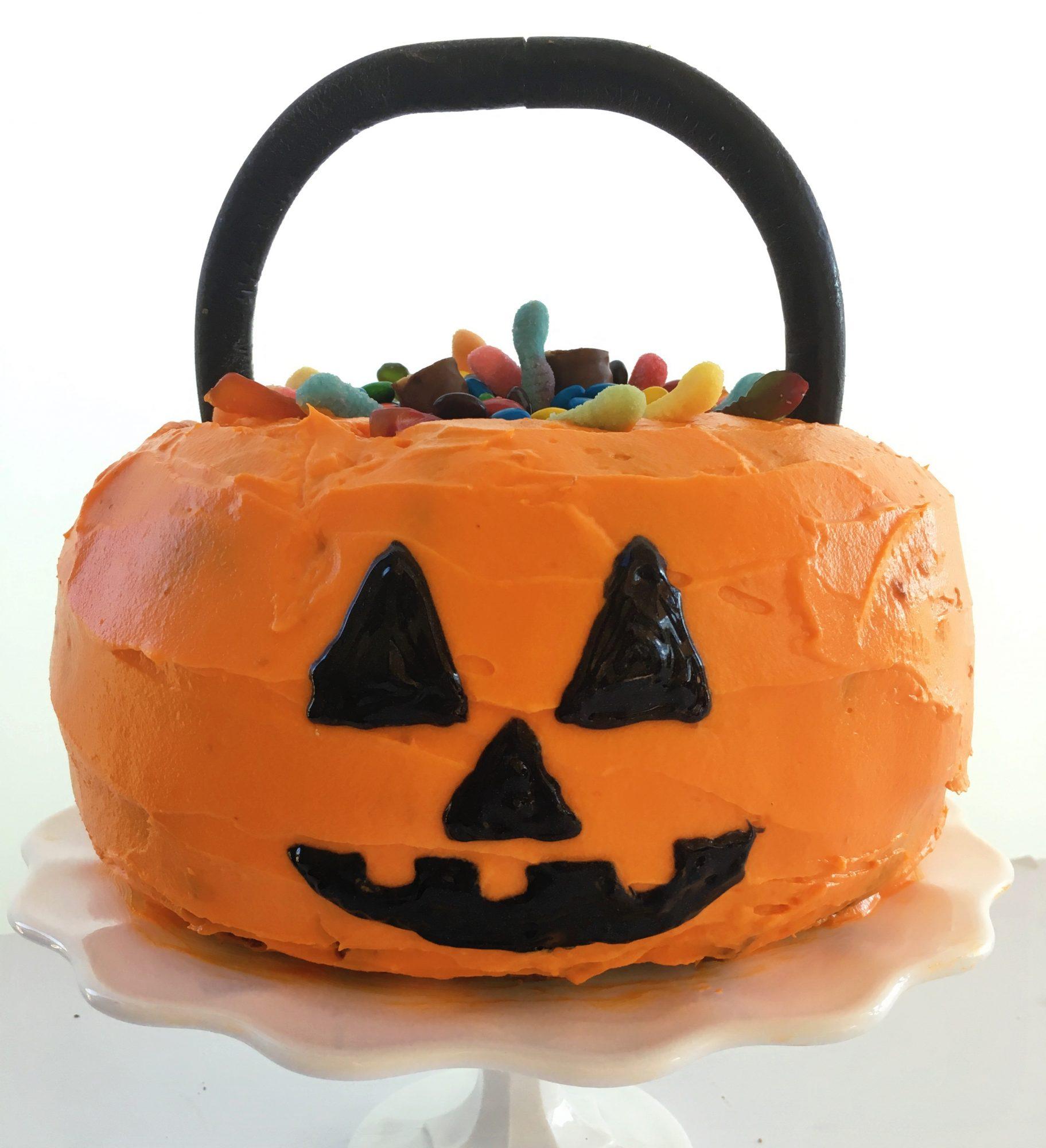 Pumpkin Bundt Cake With Walnut