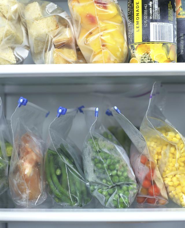 frozen-food-gettyimages-86064663.jpg