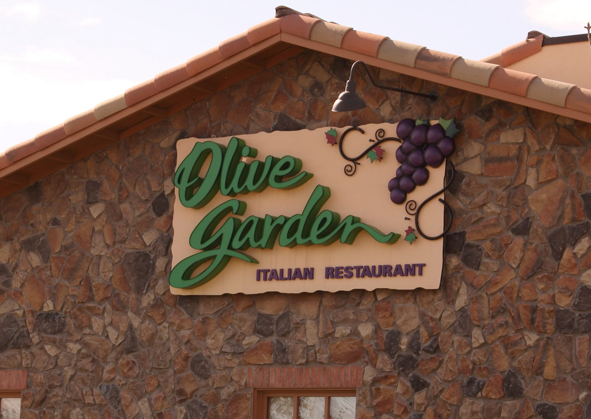 5 Lessons I\'ve Learned Using My Olive Garden Never Ending Pasta Pass ...