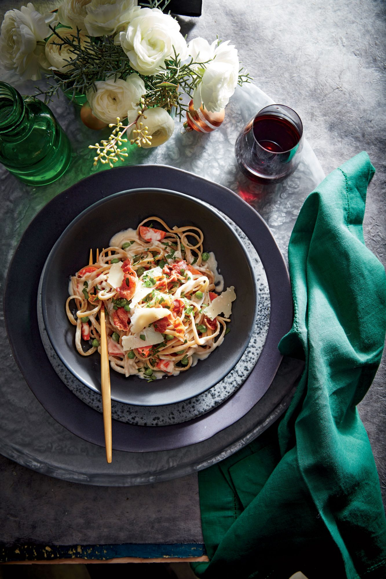 Creamy Linguine with Peas, Carrots, and Prosciutto image
