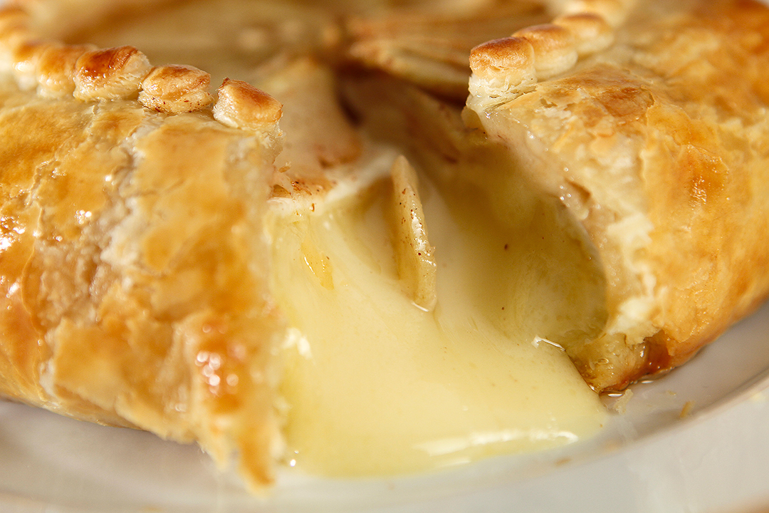 The Easiest (and Tastiest) Ever Toppings for Baked Brie